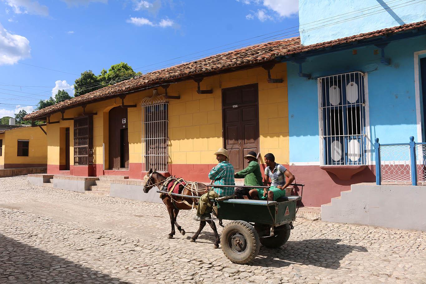 Carretto sulla strada per Pinar del Rio