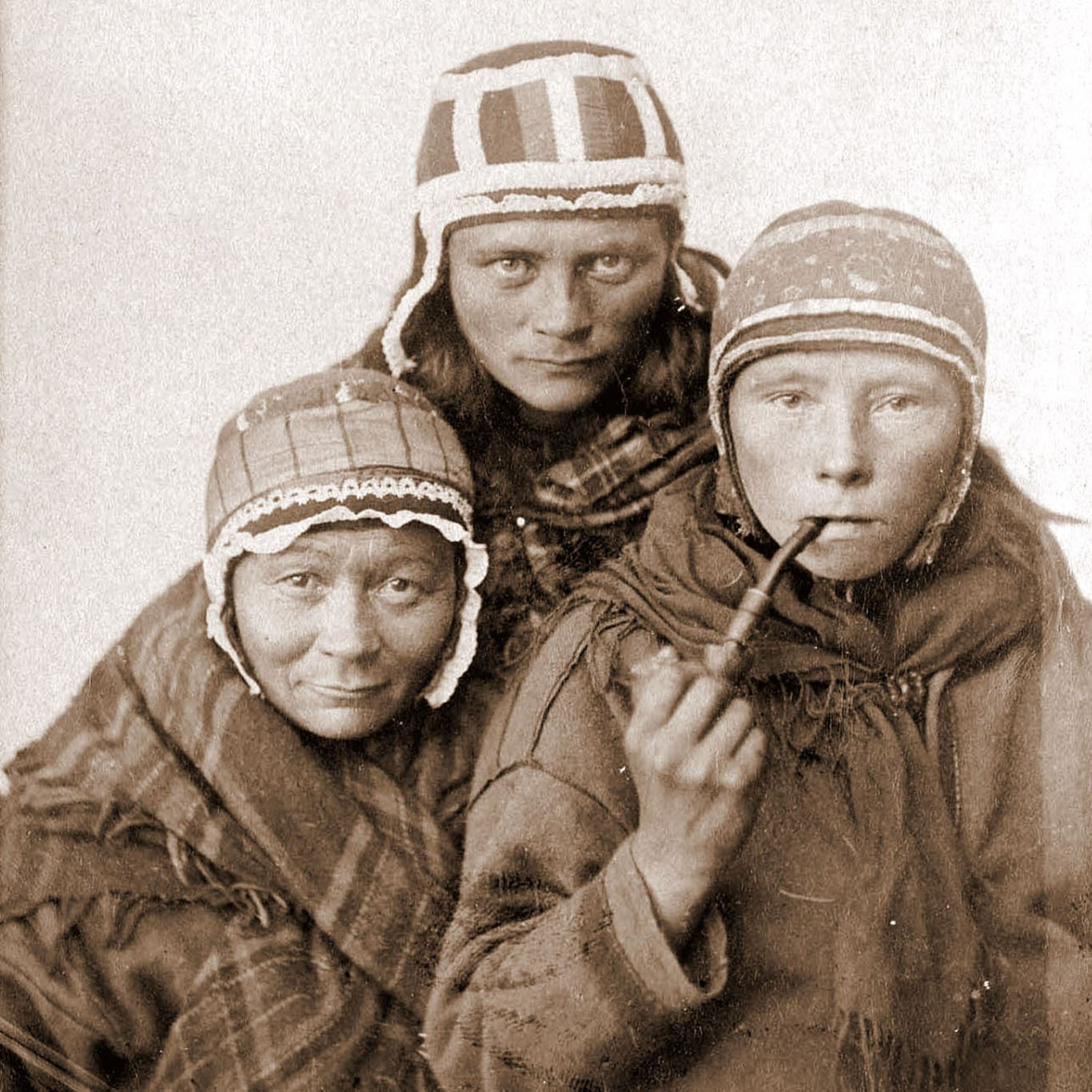 Three_Sámi_Lapp_women,_c1890s